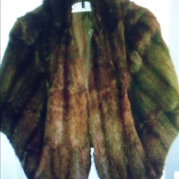 Vintage Mink Fur Wrap 1960's-70 era. Two pockets in front. No stains, rips, tears. Well taken of. From Joseph Richer's Furs in Knoxville, TN Mink Jackets & Coats Capes