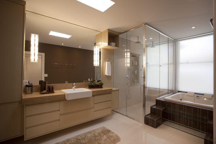 Banheiro mais extremo do mundo fica em um precipício 2600 metros acima do ní -> Banheiro Mais Modernos Do Mundo