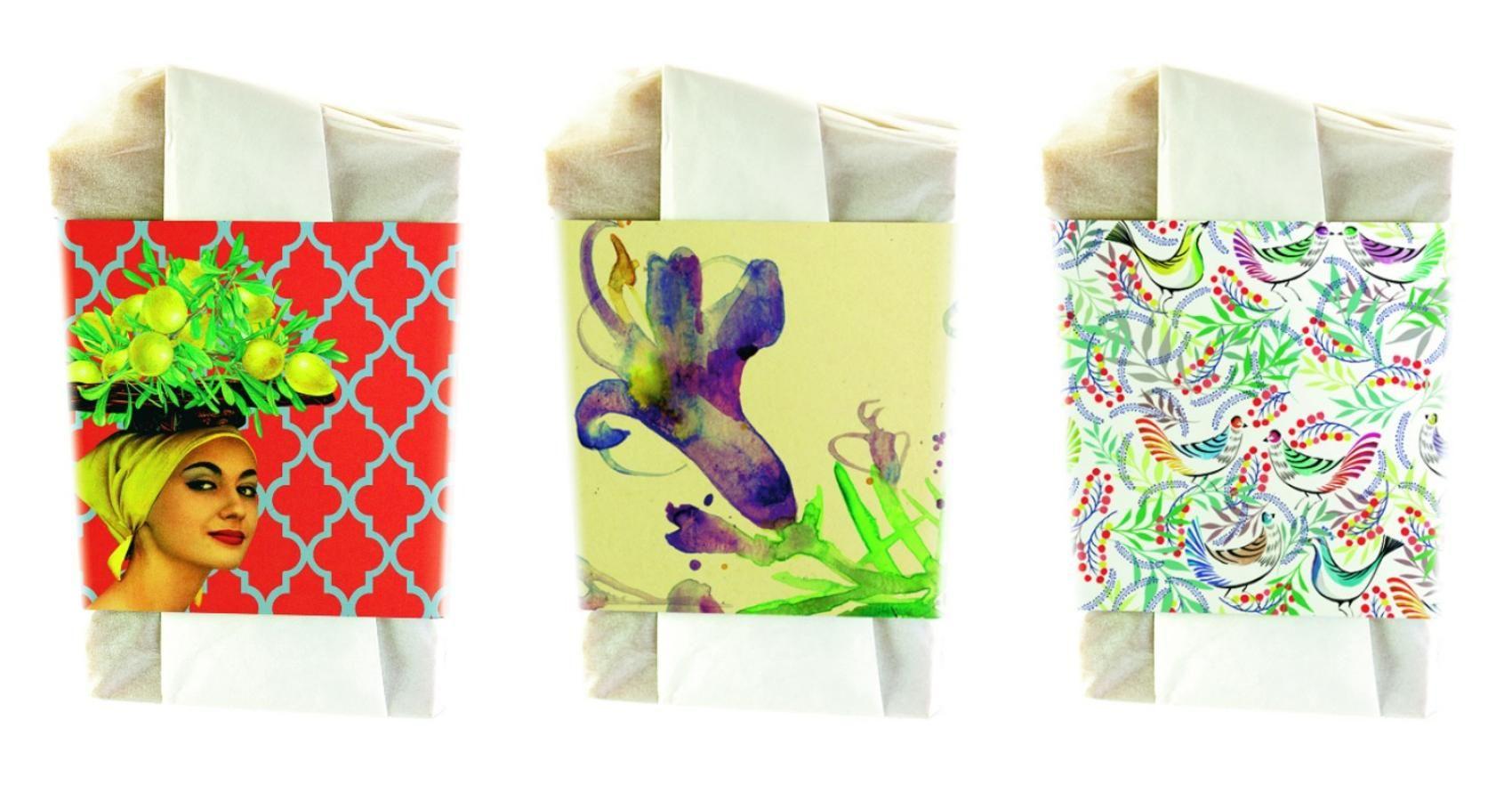 La firma Los jabones de mi mujer ha creado una edición limitada de ocho pastillas, ideadas por otros tantos artistas. Es una edición solidaria, cuyas ventas se destinarán a la Asociación Caminantes, que firman Sean Mckaoui,Raúl Arias, Ana Gabarrón o Alicia Malesani, entre otros.
