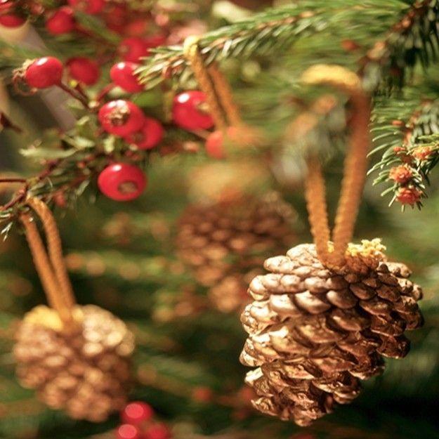 arreglos con pias de pinos buscar con google - Adornos De Navidad Con Pias