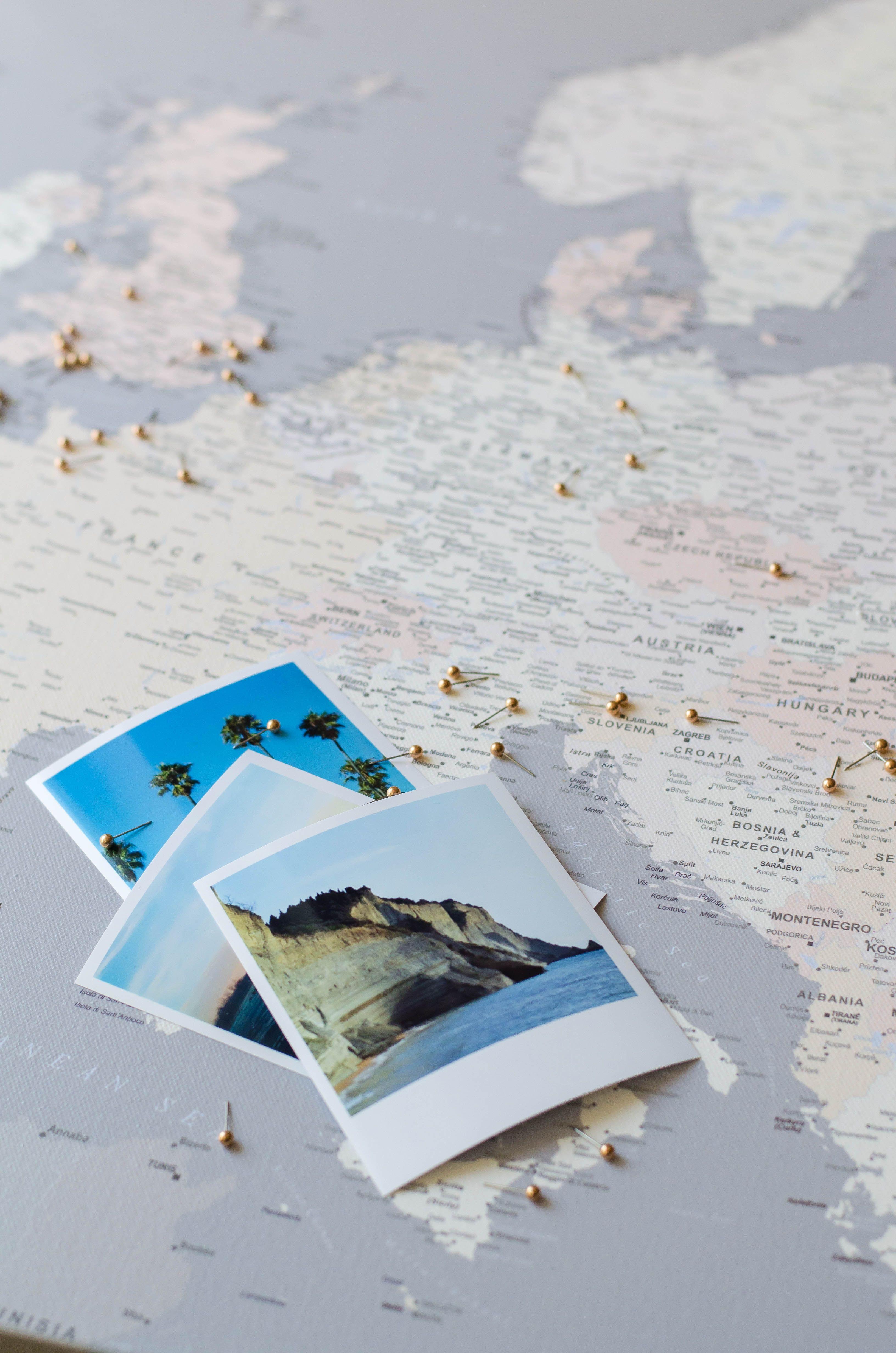 Bilder Auf Der Leinwand Reisekarte Markiere Deiner Reise Abenteuer In 2020 Reisekarten Weltkarte Karten