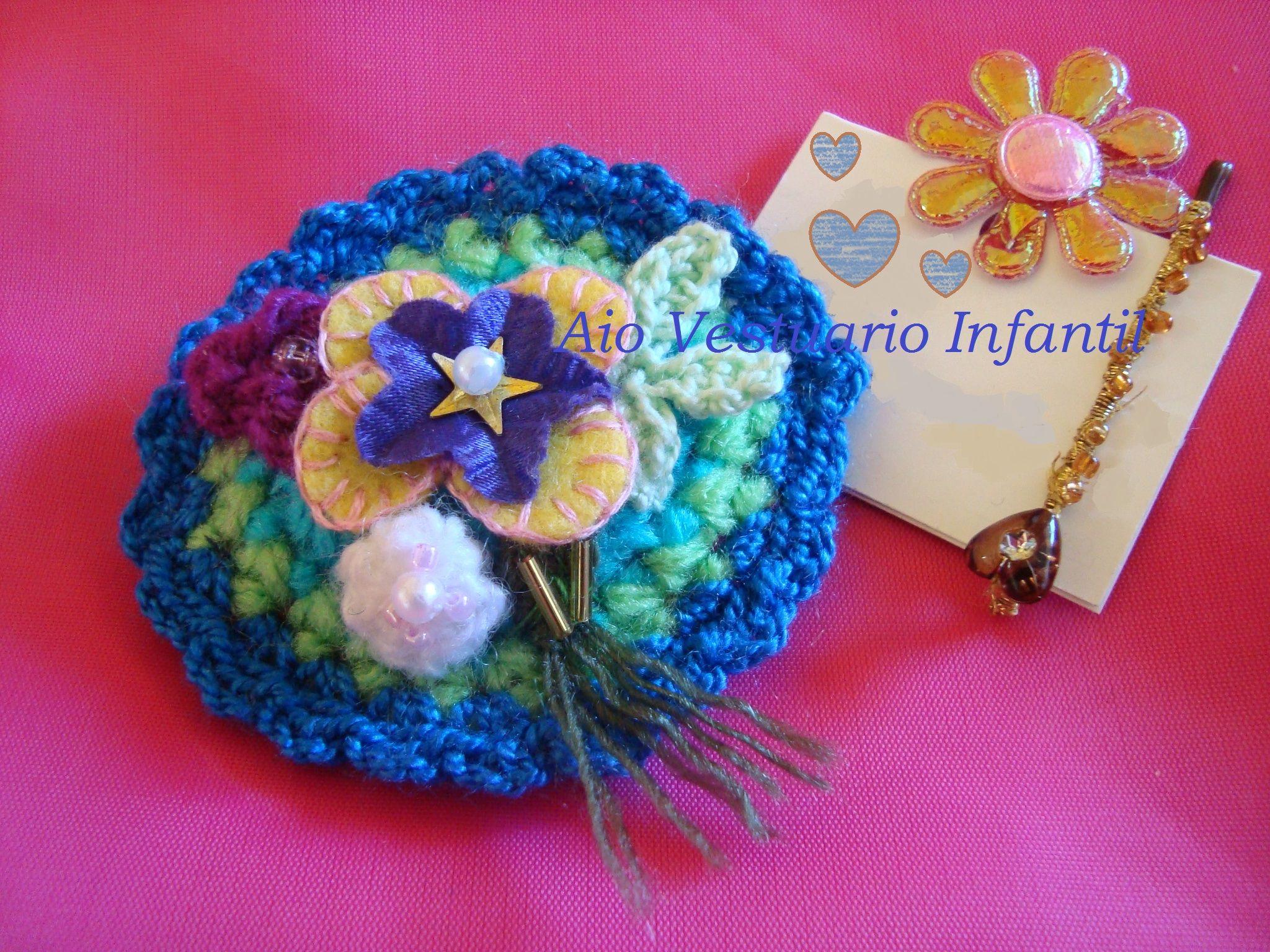 Traba par el cabello tejida a crochet y adornos en pedrería. (handmade). En venta en: AIO Vestaurio Infantil. http://www.elo7.com.ar/1d2a9
