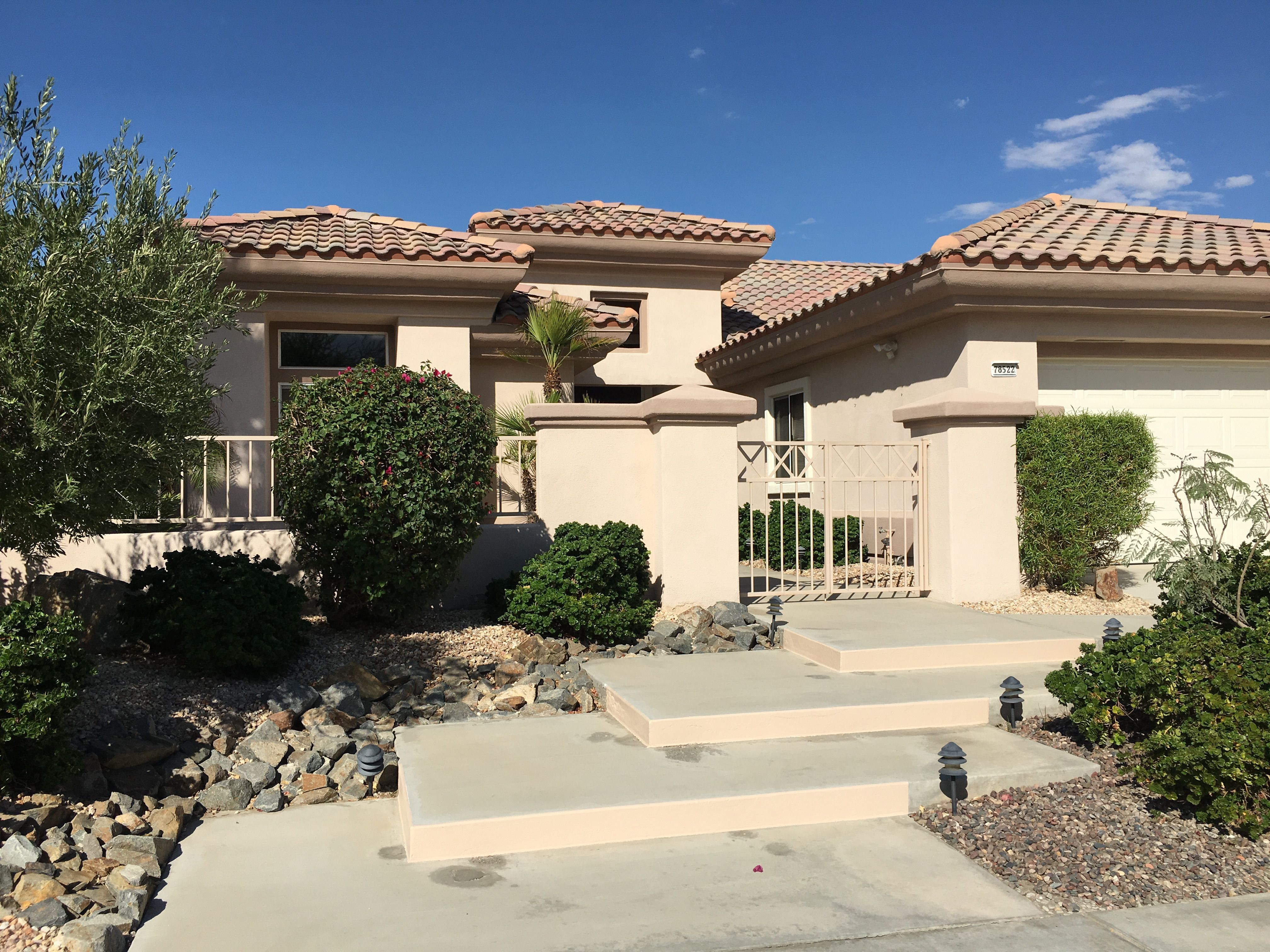 Upgraded home in Sun City Palm Desert with 2 BD, 2 BA and