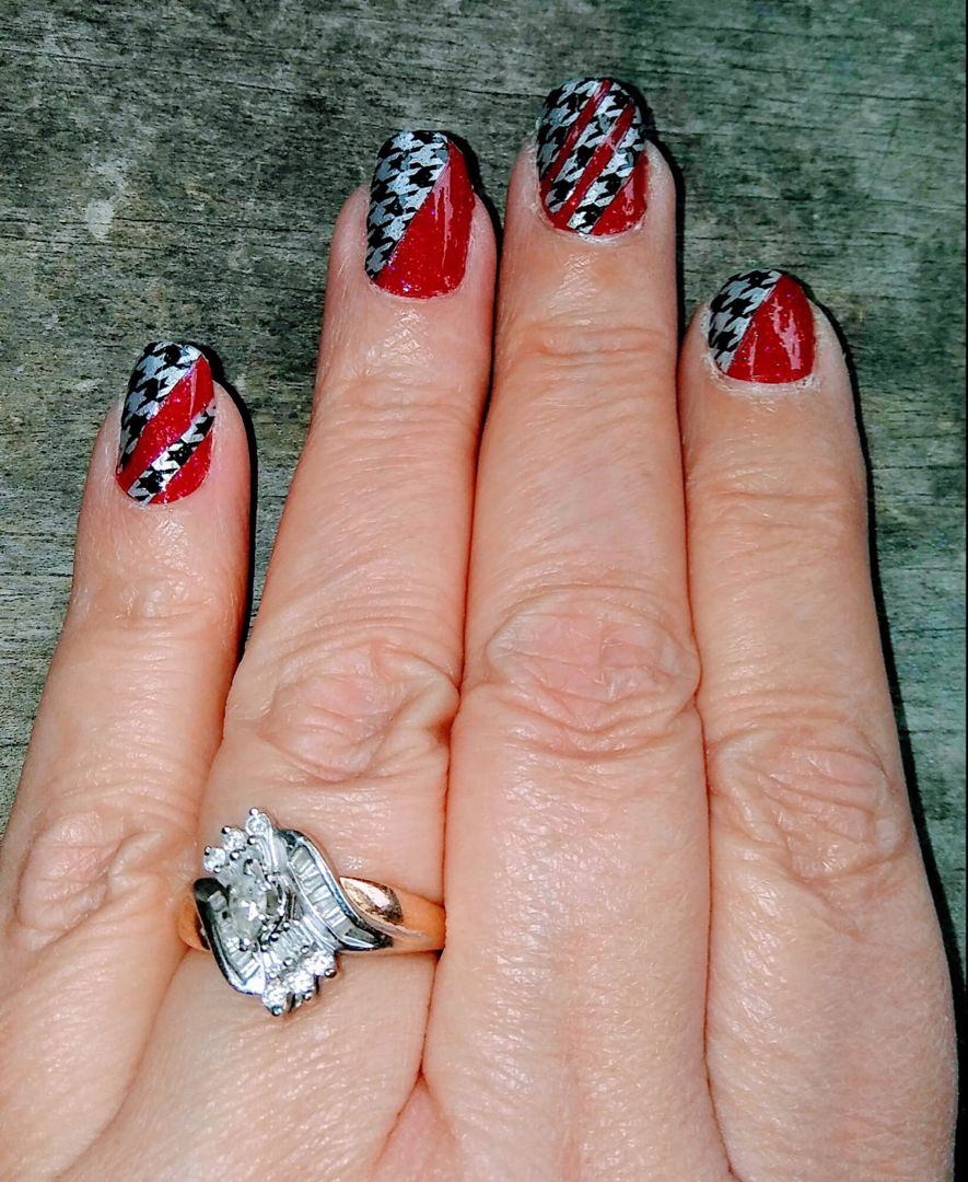 Get this amazing custom Houndstooth Manicure with sparkly red at ...