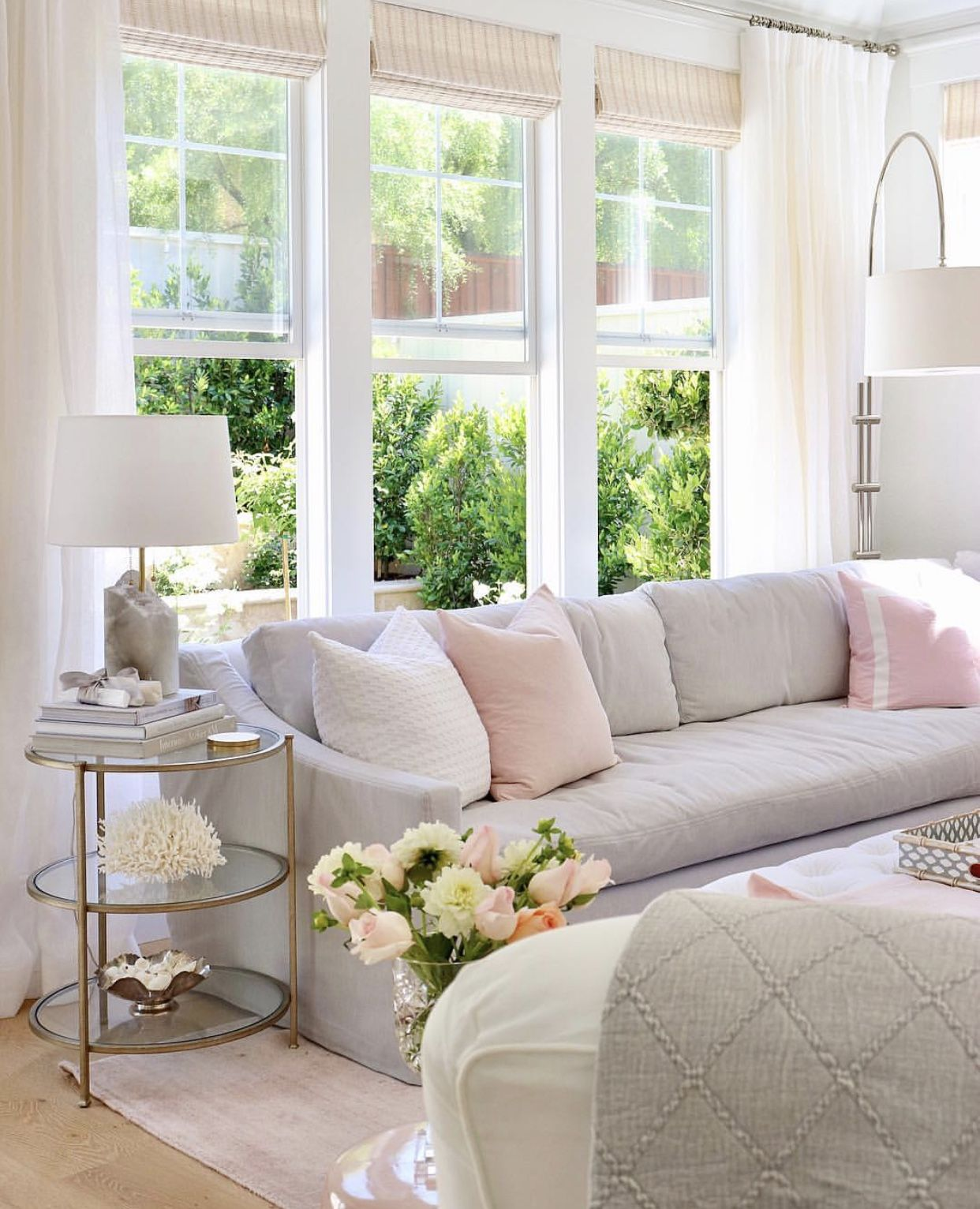 Feminine And Classy Living Room Classy Living Room Shabby Chic Living Room Shabby Chic Room