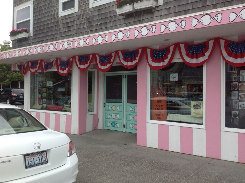 Image result for bruce's candy kitchen+cannon beach