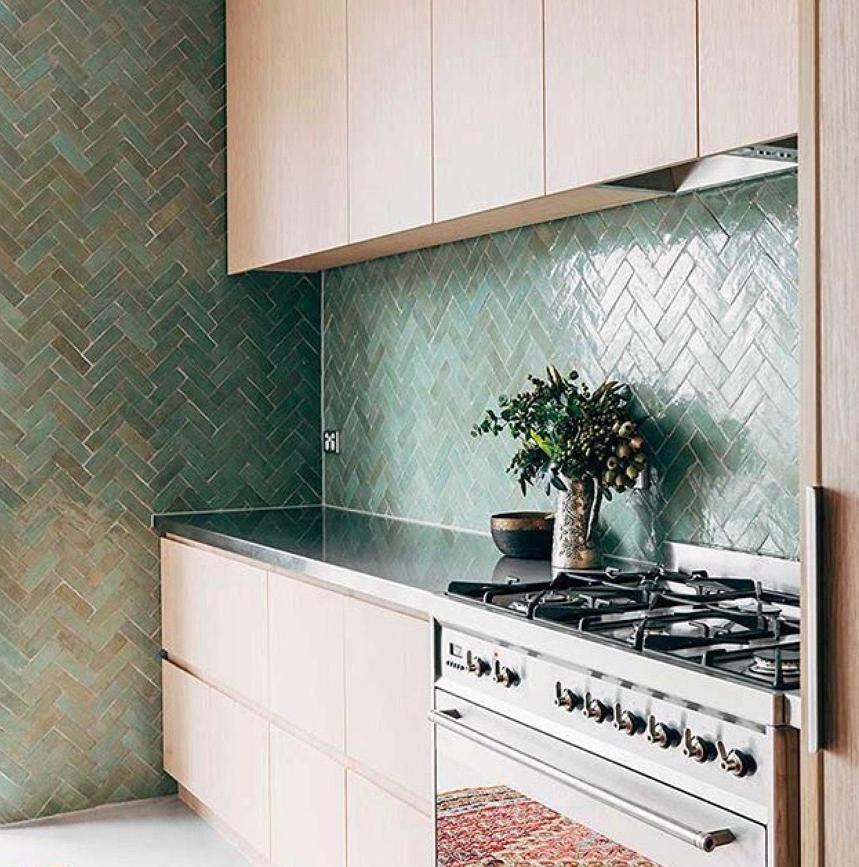 continuing the backsplash on the side wall | Kitchen | Pinterest ...
