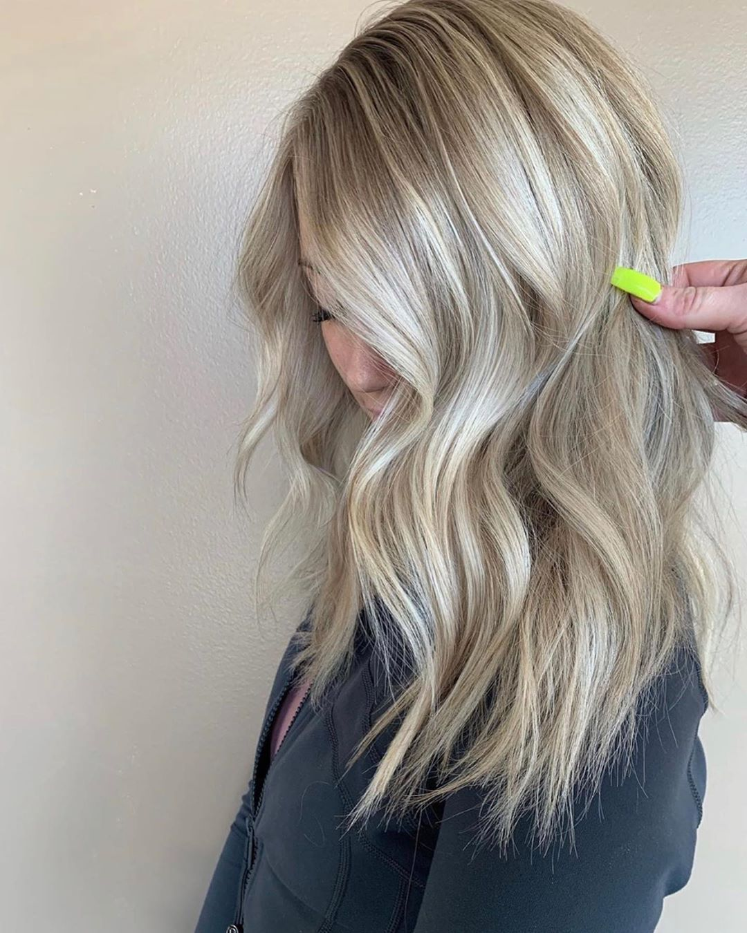 How To Do Quick Natural Wavy Hair In 2020 Natural Wavy Hair Hair Styles Colored Hair Tips