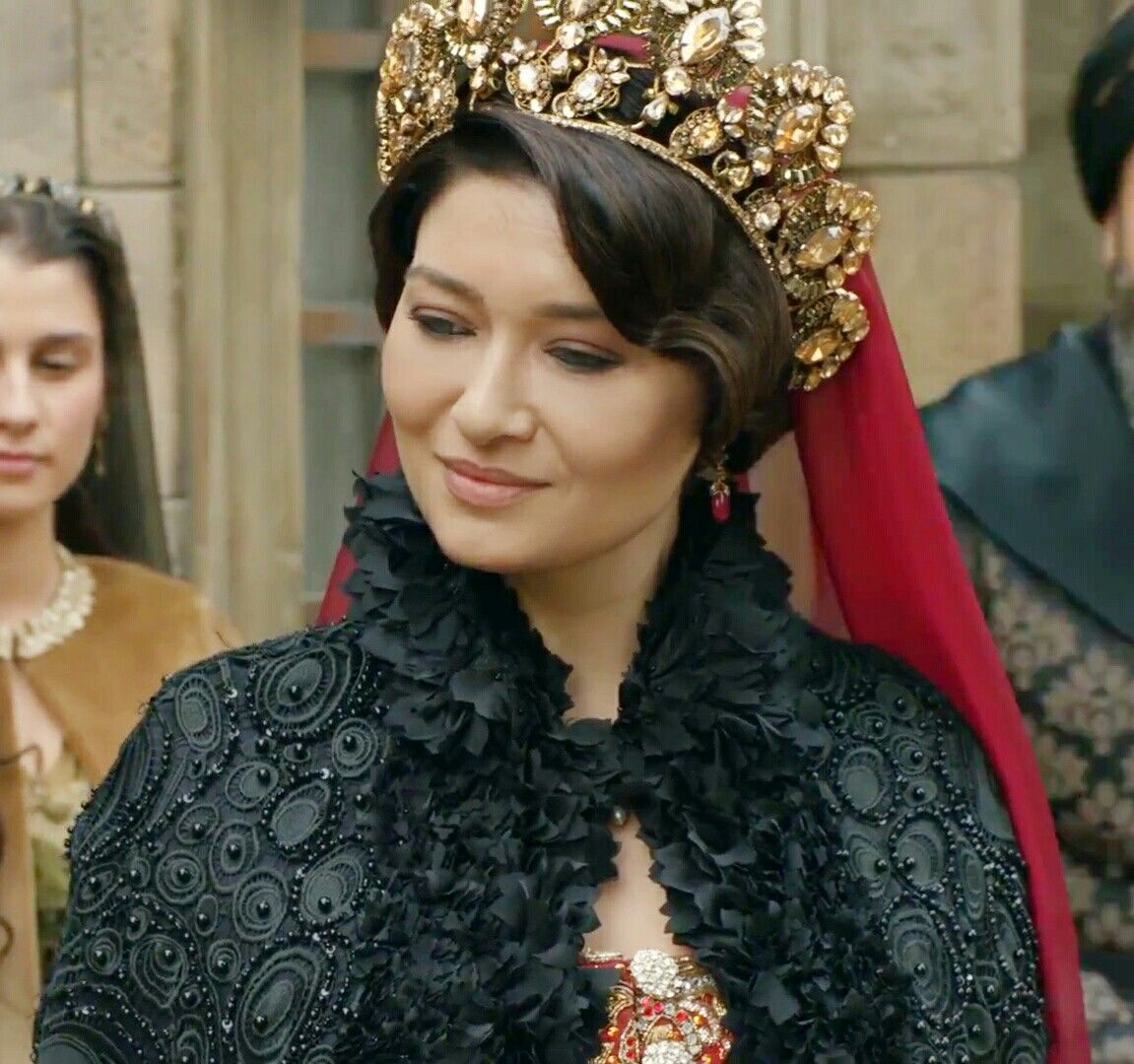 "Kösem Sultan - ""Traitors are everywhere! (Hainler her yerde"