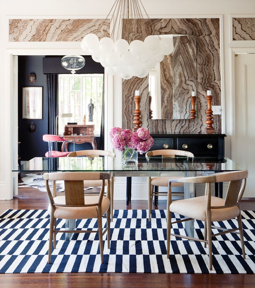 The geometric rug + marbled wallpaper = LOVE.