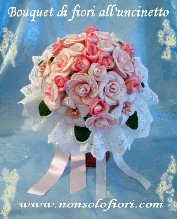 Bouquet da sposa con rose e gigli all'uncinetto www.nonsolofiori.com