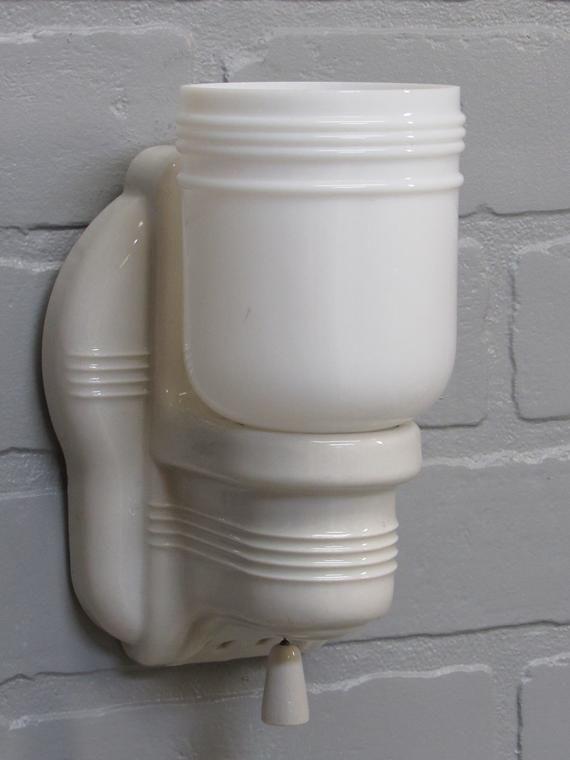 1930s Retro Bathroom Wall Sconce Vanity Light Porcelain ...