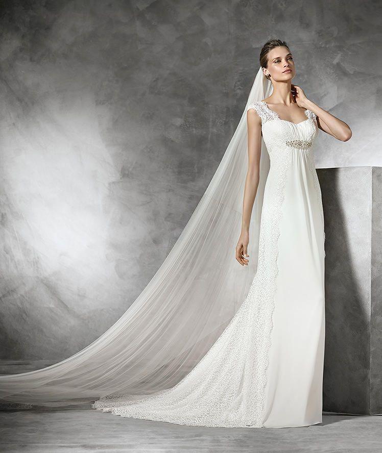taima vestido de novia de corte imperio con pedrera pronovias