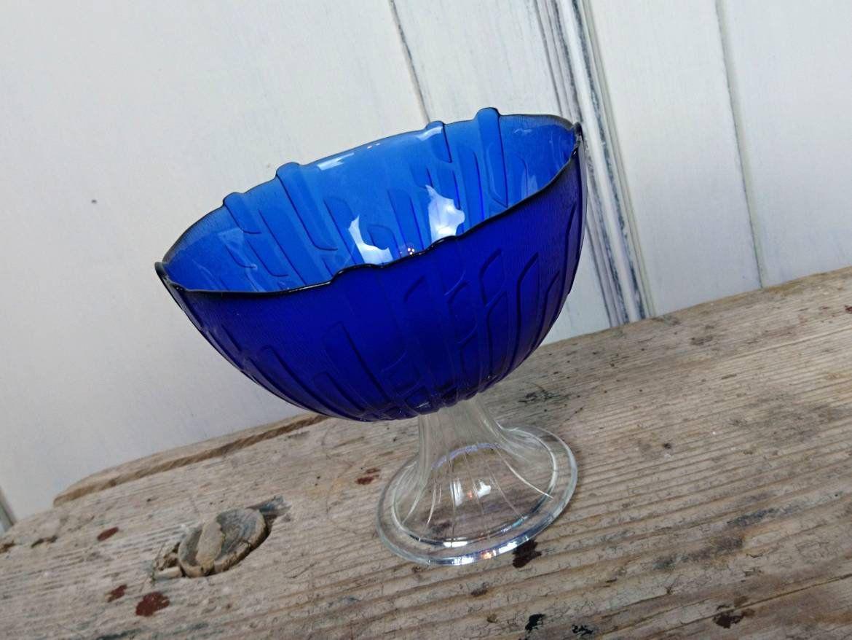 Original vintage glass bowl with foot 60s 70s vintage nostalgic blue nutshell confectioner studded table bohemian deko retro vendor bowl #gedecktertisch