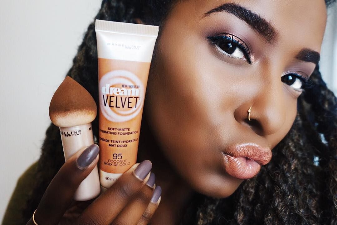 I used the @Maybelline Dream Velvet foundation today, the name says it all!  It's a matte foundation that hydrates your skin. The gel-whipped formula is infused with water for 12hr hydration and a fresh feeling when you apply it!  I applied it with The Dream Blender which not only blends but can be used for applying concealer and baking that gorgeous face!  #mnyitlook #dreamvelvet #dreamblender #ad