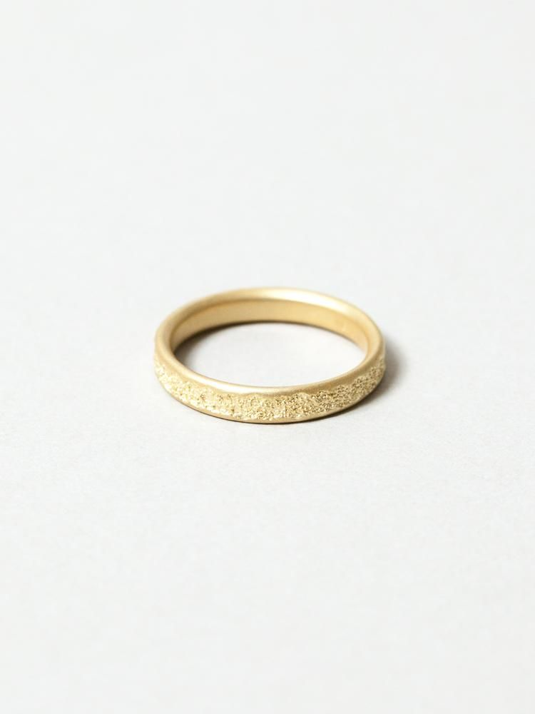 Center Cast 18k Gold Wedding Band 18k Gold Wedding Bands Gold Wedding Band Wedding Bands