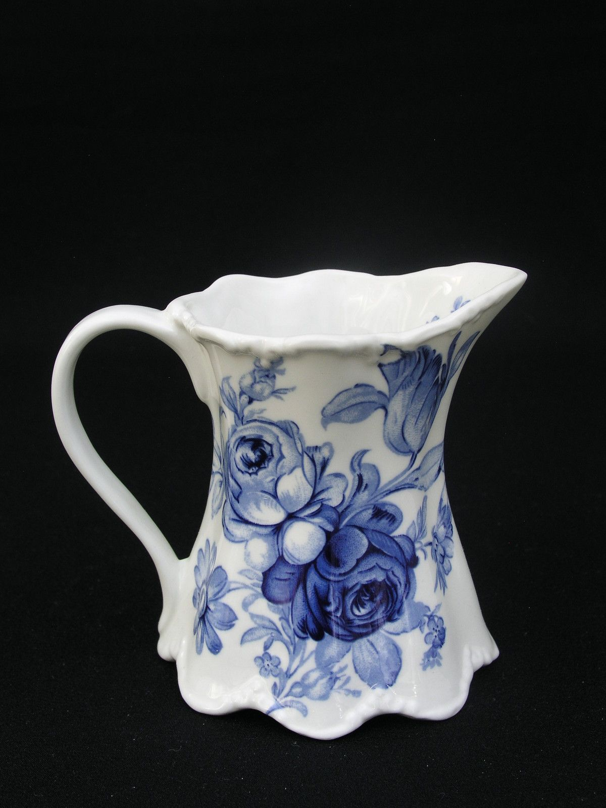 St George Fine Bone China Creamer Blue Flowers On White Very Pretty Ebay Dishes