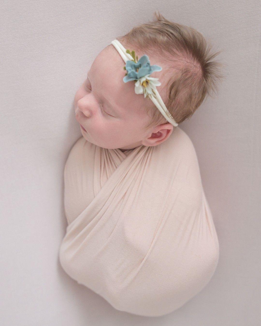 Baby Sleeping Up On Knees : sleeping, knees, Elusivephoto, Posted, Instagram:, Sweet, Little, Natalee, Loved, Being, Wrapped, Knees, Remem…, Newborn,, Newborn, Photographer