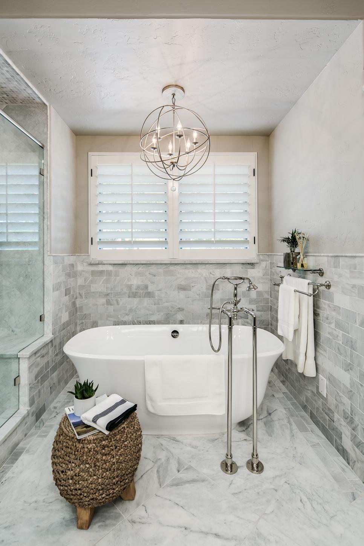 traditional bathroom lighting fixtures