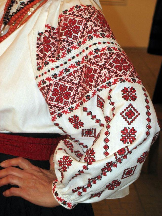 Ukraine women s embroidery shirt 97be94c610348