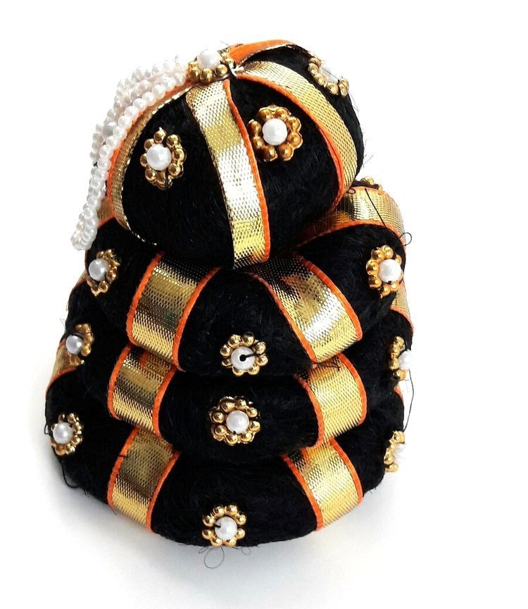 Wedding Kondai Hairstyle: Andal Kondai Black Bun With Gold Ribbon