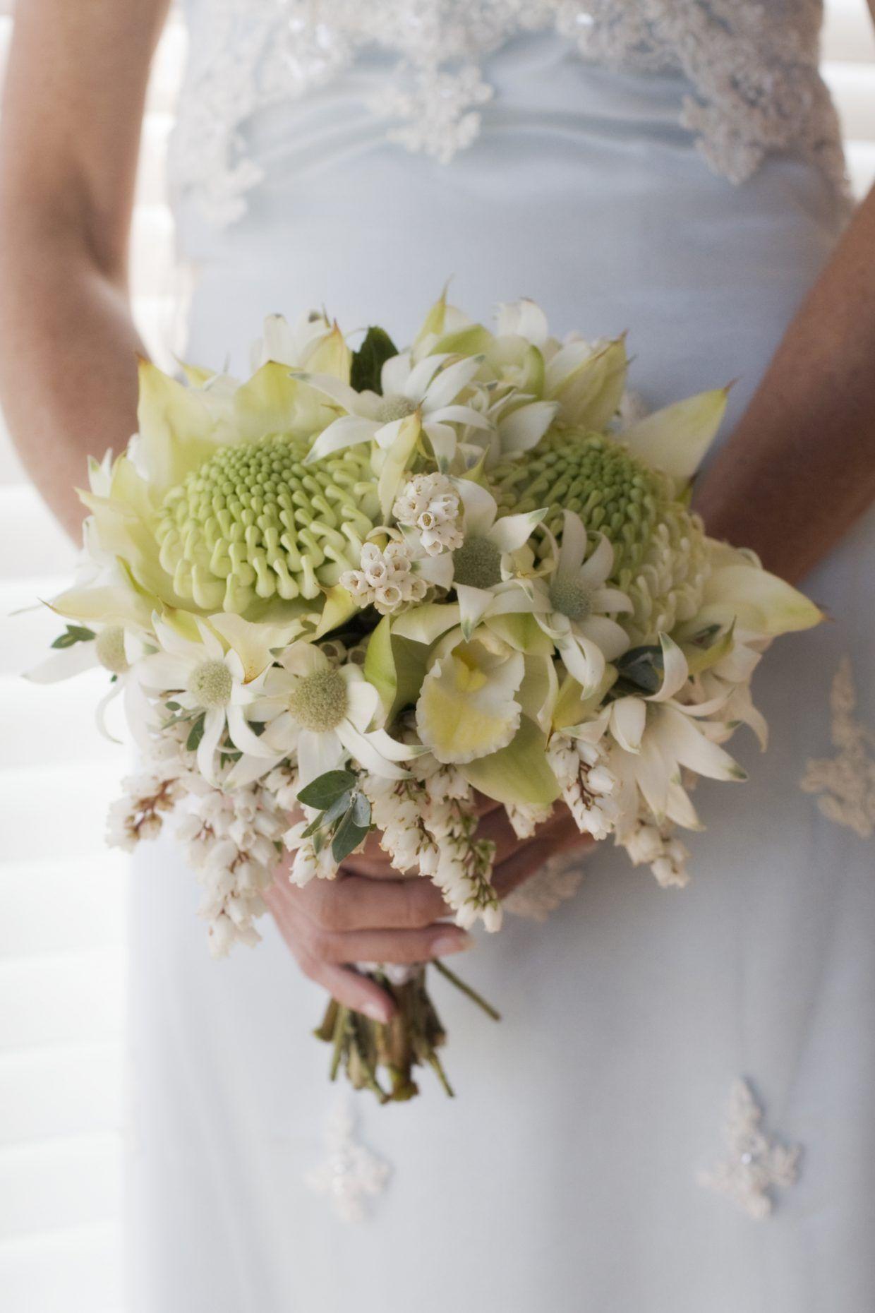 15 native wedding flowers a brides guide wedding bouquet styles wedding posy izmirmasajfo