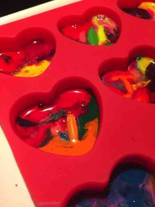 Microwave Melted Crayon Valentines #crayonheart Melted Crayon Heart Valentines #crayonheart