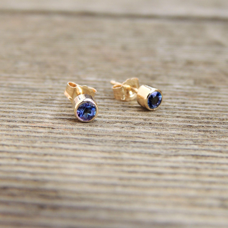 Beatiful Blue Sapphire Stud Earrings Natural Earth mined Blue