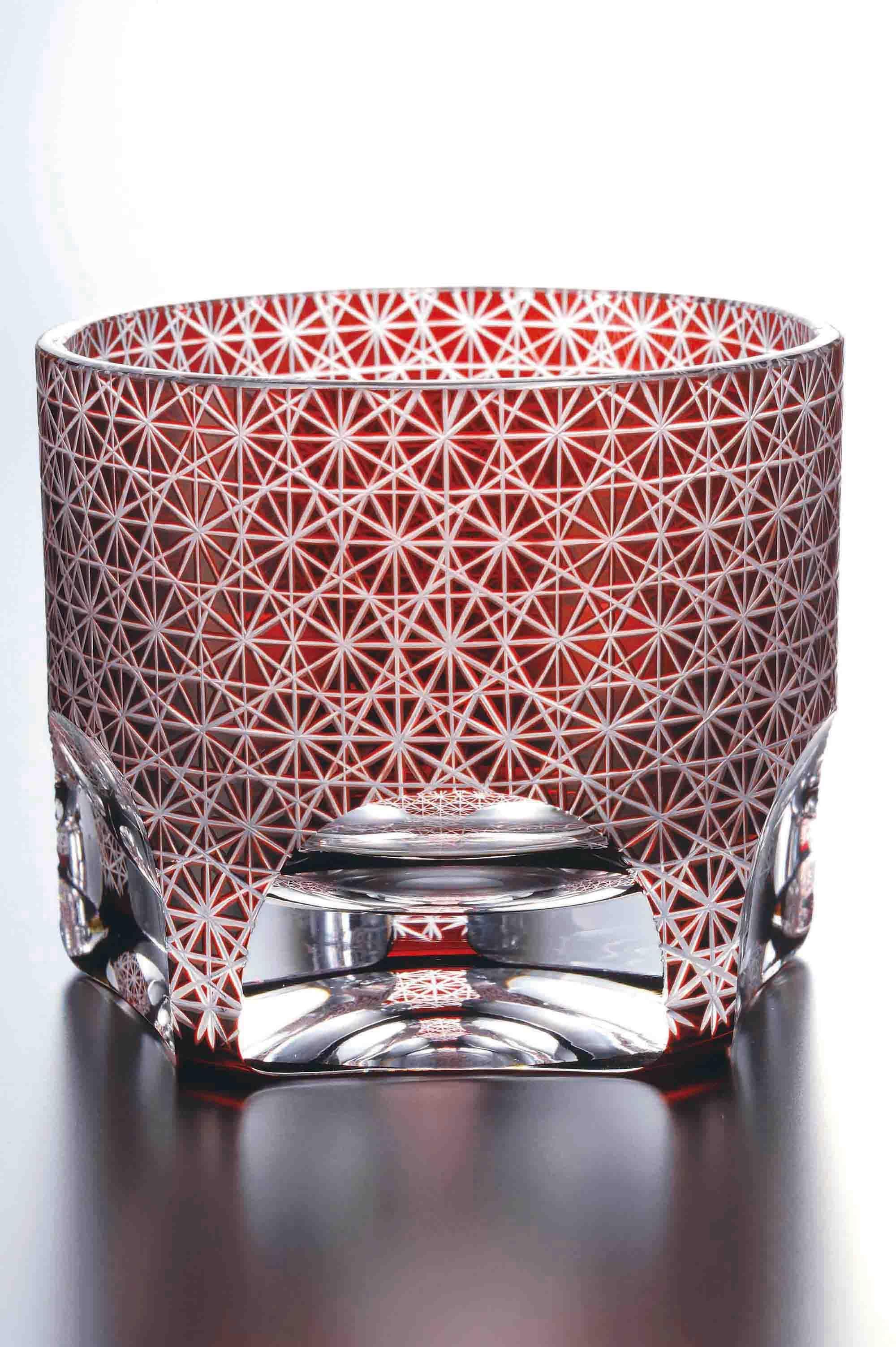 カッティングが美しいガラス製の仏具 きらめく脚元がおしゃれです リビング モダン キリコ 切子 手作り 現代仏壇 カフブレスレット クリスタルビーズ 現代 仏壇