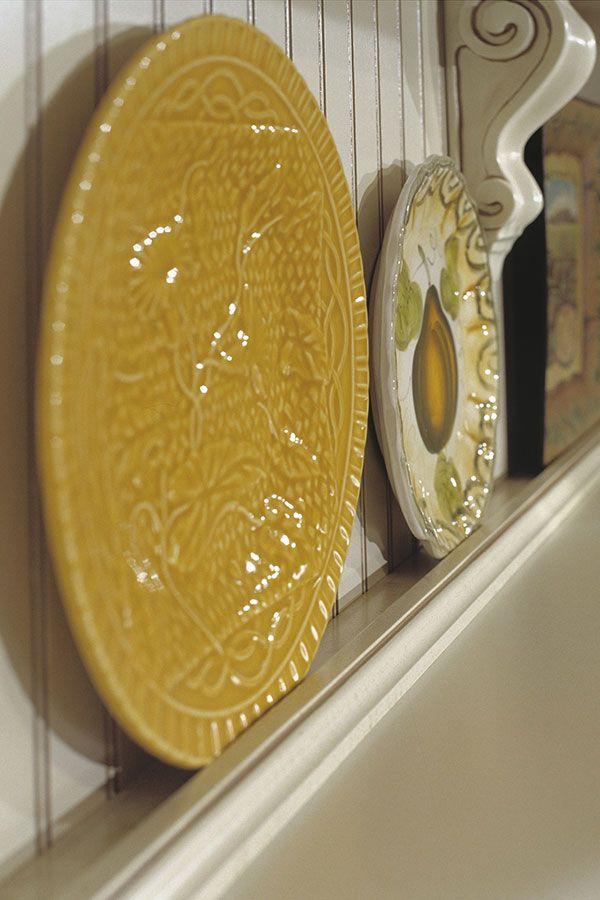 Light Rail Cap Moulding Homecrest Cabinetry Plates On Wall Dining Design Craftsman Kitchen