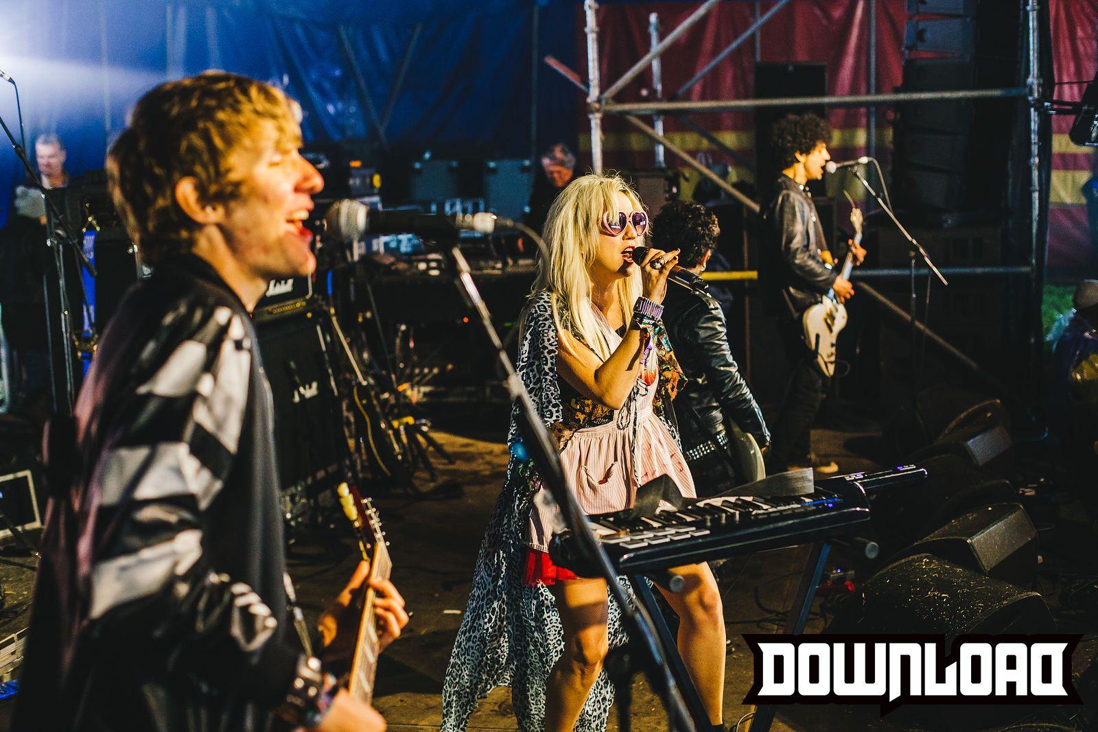 Love Zombies \ Download 2015