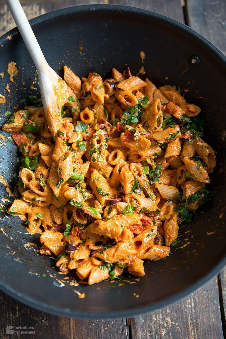 Pasta mit Tomaten, Ricotta, Paprika & Oliven #recipes