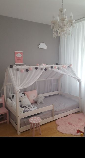 You can do it yourself, it is so easy and modern to make these woodhouse bed. And even if you can't do it yourself you can surely buy it. #kinderzimmermädchen