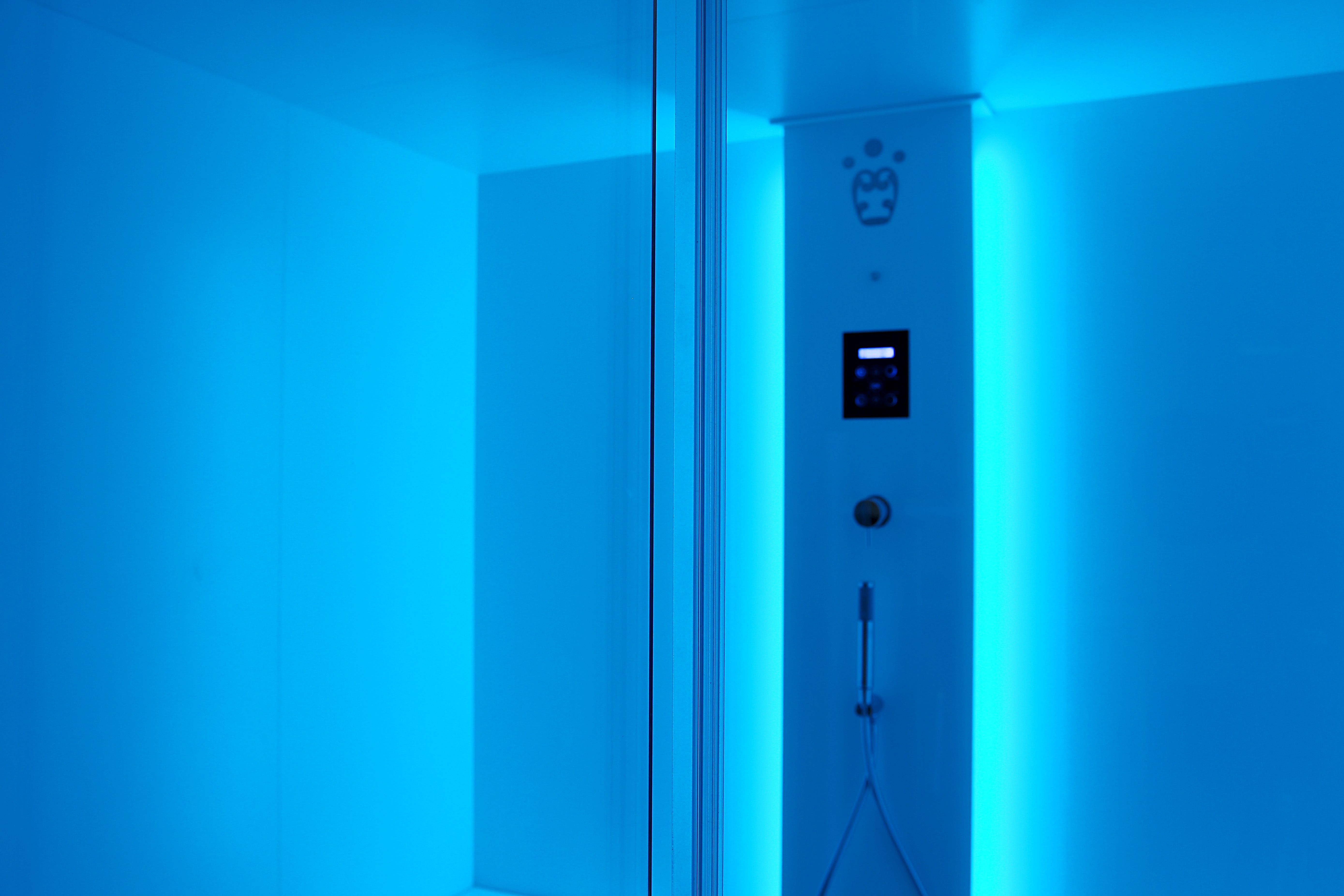 Sensation Steam bath  by Carmenta. Chromotherapy: the use of colours for benefit is a practice used by the ancienr Egyptians who firsft understood how colours unconsciosly affect our body and our mind to regulating moods.