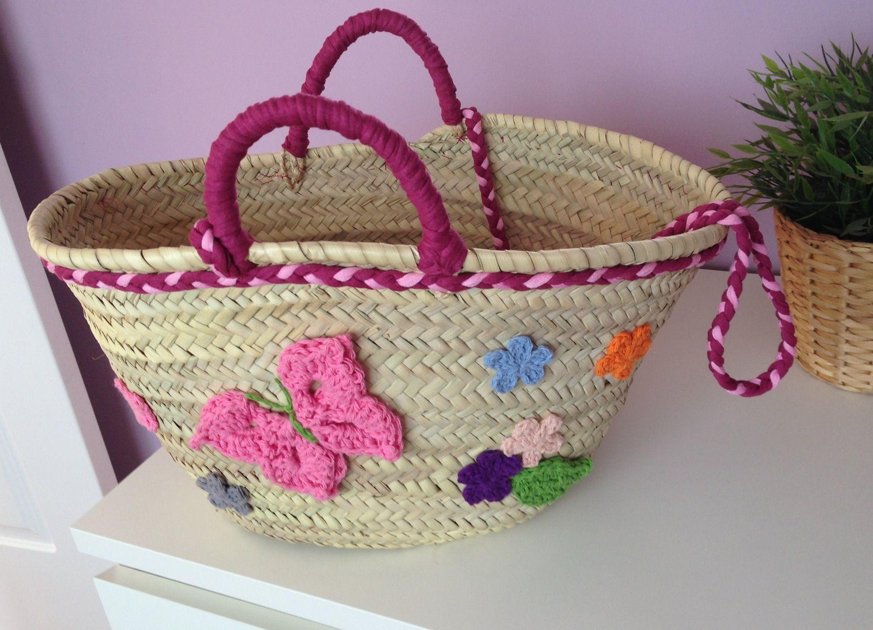 Cesto de mimbre decorado con trapillo y crochet - Cestos de minbre ...