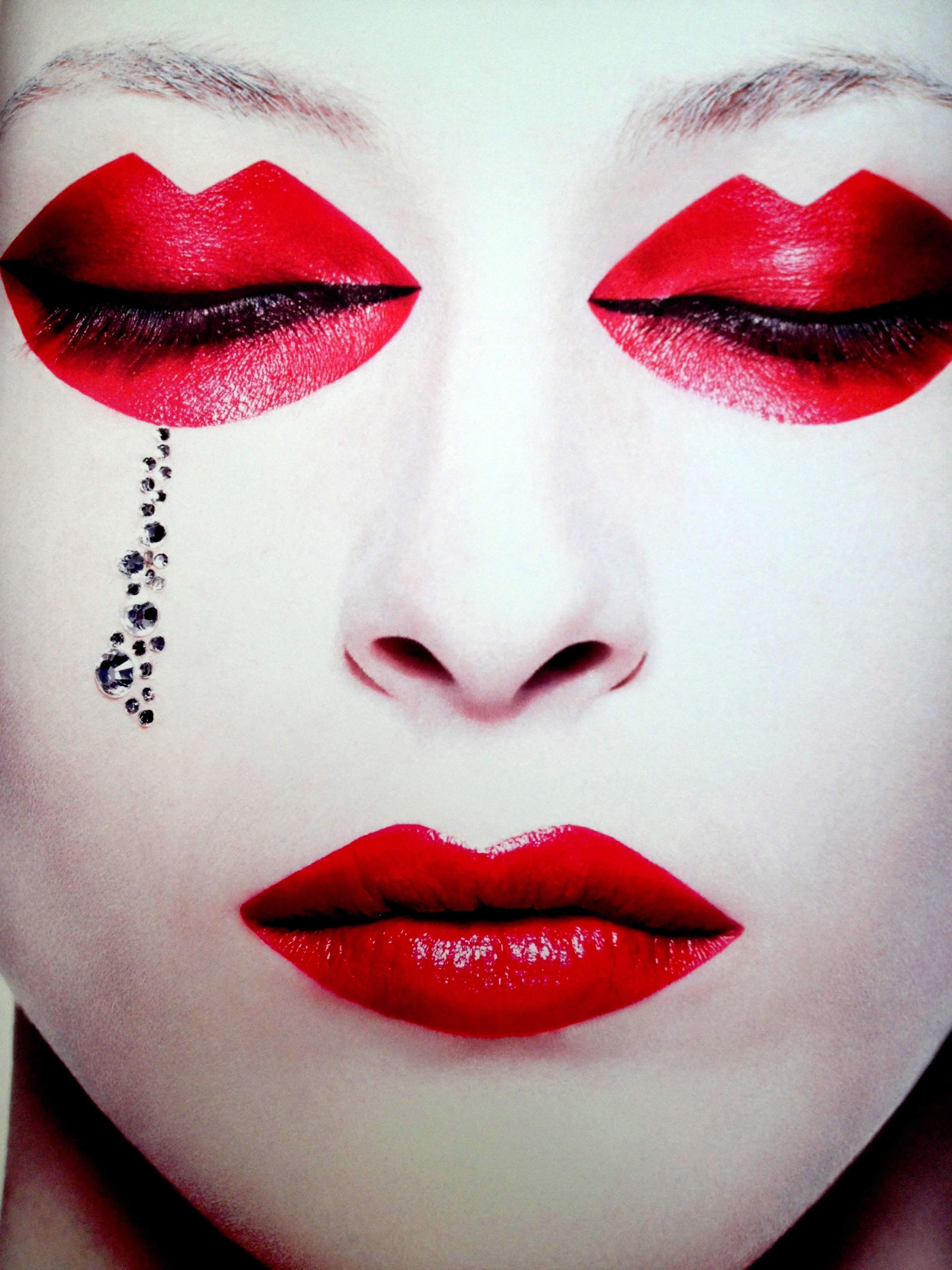 Eccentric Makeup And Photography By Rankin Makeup Photography Rankin Photography Makeup Art