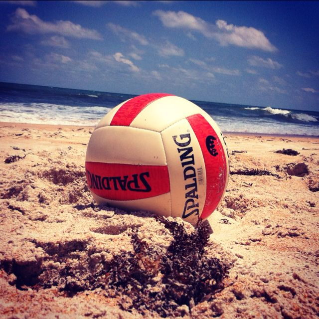 Volleyball On The Beach Volleyball Wallpaper Volleyball Volleyball Pictures
