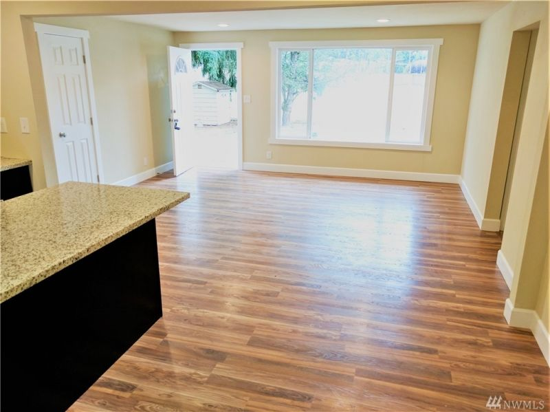 Renton Wa Homes For Sale 175 Renton Real Estate Listings House Design Fenced In Yard Home