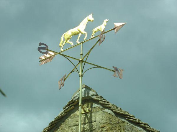 #Copper #sculpture by #sculptor Stanley Jankowski titled: 'Horse and Hound Weathervane (WindVane Weather Cock sculpture statues)'. #StanleyJankowski