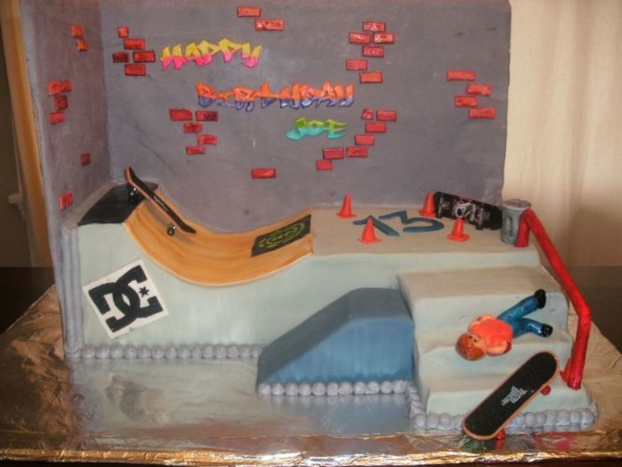 Skateboard Park Cake On Cake Central Cakes In 2019