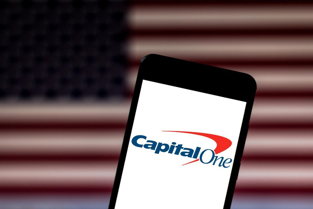 Capital one outage keeps customers from accessing their