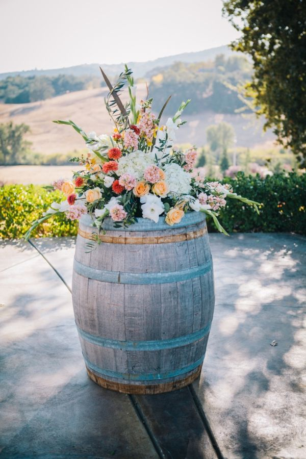 Denner Vineyards Wedding - Heart Love Weddings.... This would even be cute just in the yard anytime!!