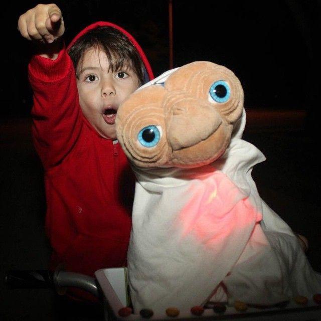 E.T. Halloween costume for children. (sugarskull__13's photo on Instagram)
