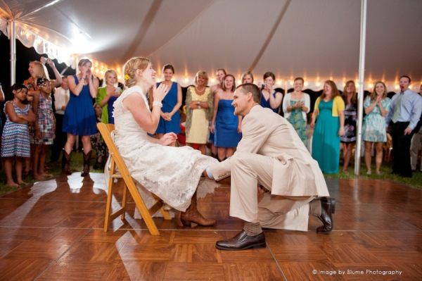 Wedding Traditions The Garter Toss Blume Photography Wedding Garter Photography Garter Toss Wedding