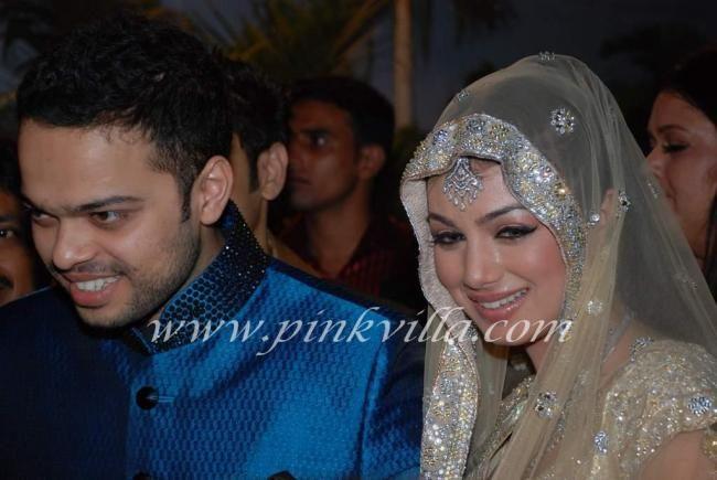 Ayesha Takia Wedding Reception With Farhan Azmi Zara Pinterest