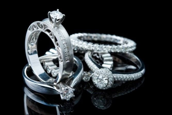 How To Effectively Shoot Jewelry Savage Universal Emerald Engagement Ring Emerald Engagement Ring Set Engagement Ring Stores