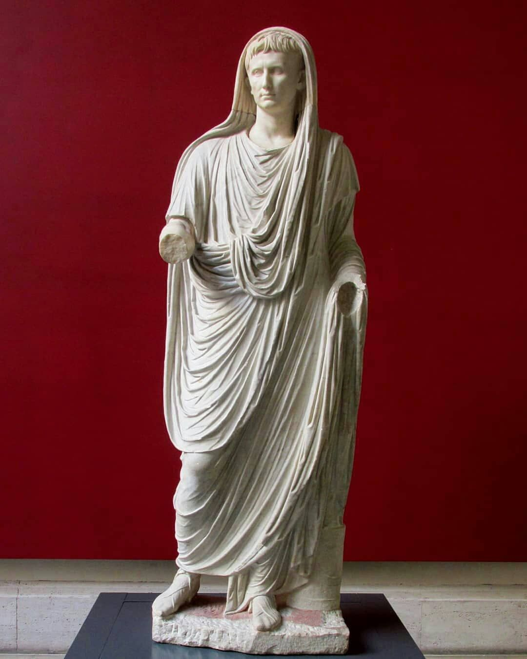 Emperor Augustus From Via Labicana Museo Nazionale Romano Rome This Statue Was Typical Of The Approved Style Statue Ancient Greek Sculpture Roman Sculpture