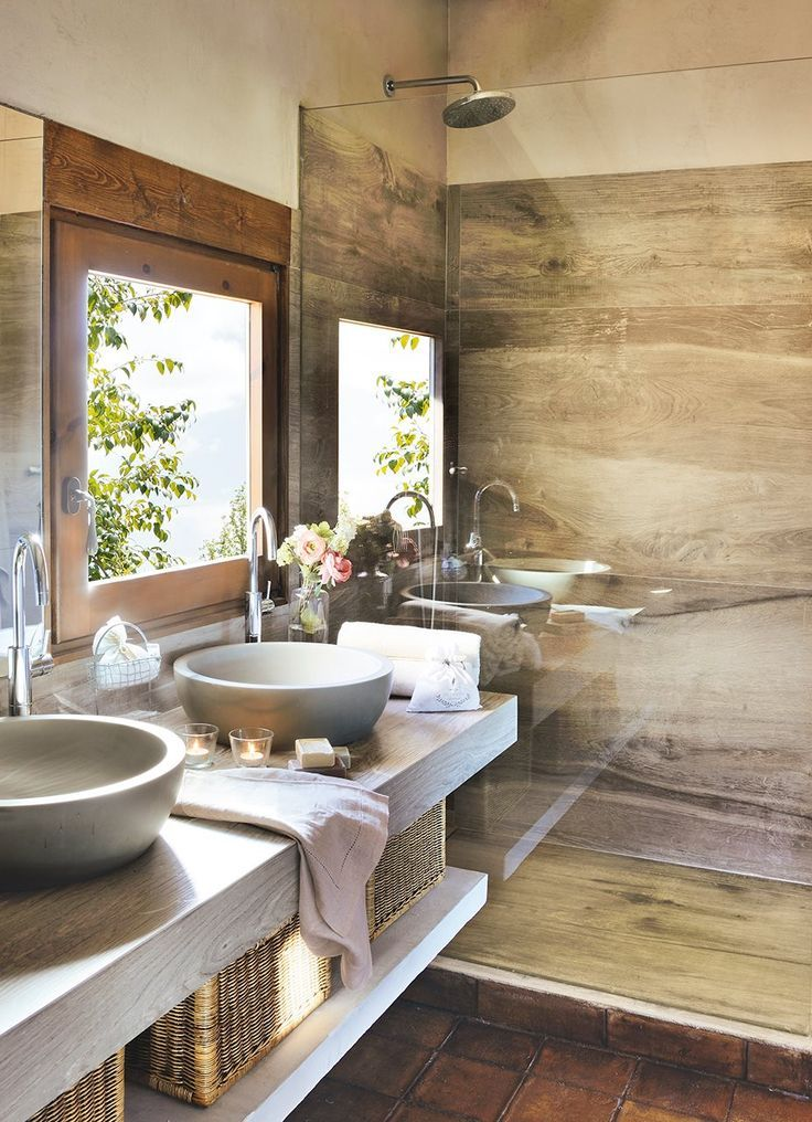 Ba o en madera awesome interiors ba os ba os peque os for Bajo gabinete tocador bano de madera
