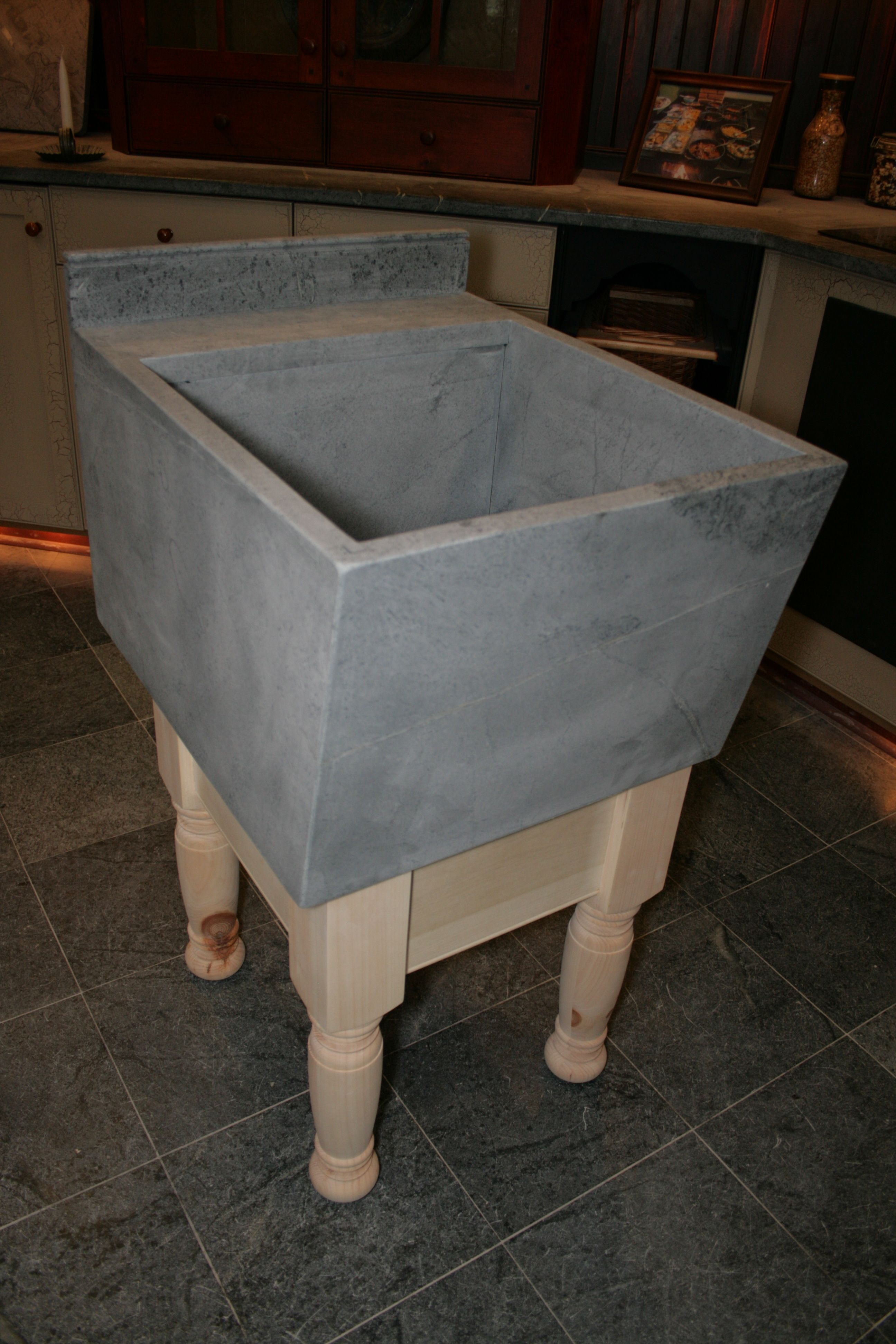 Charmant Laundry Sink, Soap Stone. Can Do With Industrial Legs Instead Or Cabs Below.