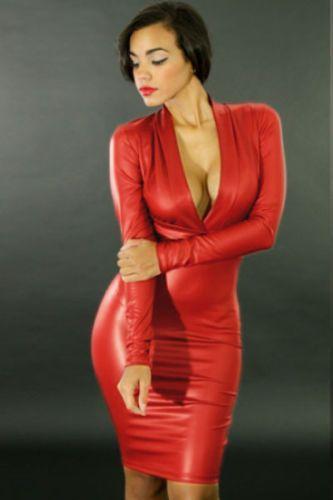 1b90e0dc9acf6 Mini-robe-rouge-plongeant-Moulante-Simili-Cuir-PVC-Look-Clubwear-taille-12- 14